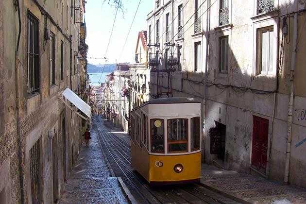 ferienwohnung lissabon ferienwohnungen und ferienh user in lissabon portugal. Black Bedroom Furniture Sets. Home Design Ideas