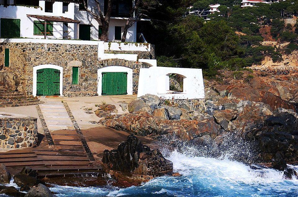 ferienh user und ferienwohnungen an der costa brava in spanien. Black Bedroom Furniture Sets. Home Design Ideas